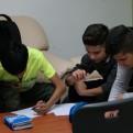 Die Workshopt-Teilnehmer wagen sich an die ersten Zeilen.